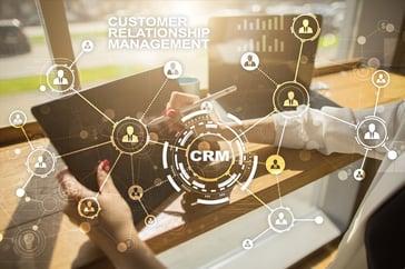 Mejora la experiencia del cliente sin interrupciones ni retrasos, al integrar tu CRM y herramientas de trabajo en un solo lugar