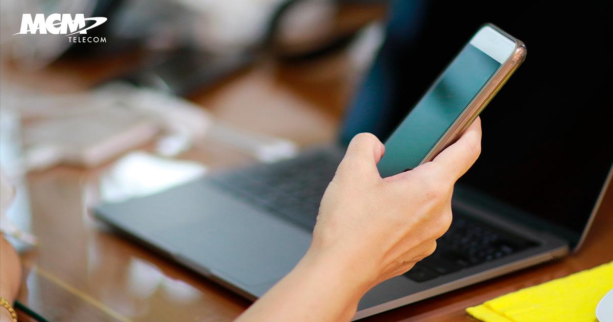 Recursos tecnológicos de una empresa para trabajo remoto o en oficina